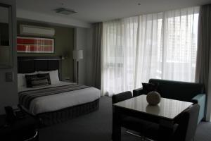 Meriton Service Apartments Sydney, Australia